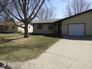 1314 5TH Avenue NE, DEVILS LAKE, ND 58301