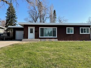 406 CAMPBELL Drive, GRAND FORKS, ND 58201