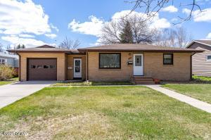 807 19TH Street NW, EAST GRAND FORKS, MN 56721
