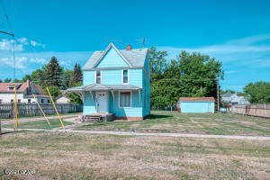 412 BOOTH Avenue, LARIMORE, ND 58251