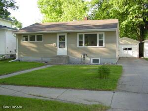 1905 11TH Avenue N, GRAND FORKS, ND 58203