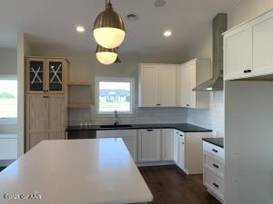6156 CAMELLIA Circle, GRAND FORKS, ND 58201