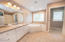 283 CIRCLE HILLS, GRAND FORKS, ND 58201