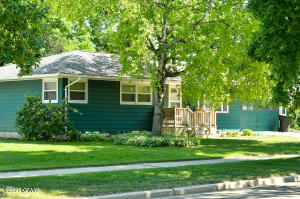 2507 CLOVER Drive, GRAND FORKS, ND 58201