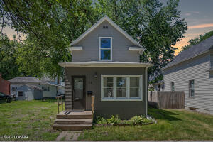 718 5TH AVENUE NORTH, GRAND FORKS, ND 58203