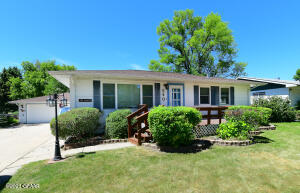 540 6TH AVENUE SOUTHEAST, EAST GRAND FORKS, MN 56721