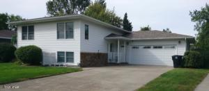 839 GREAT PLAINS Court, GRAND FORKS, ND 58201