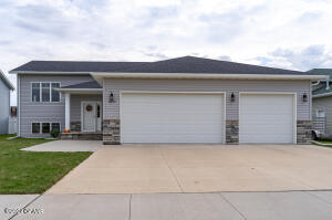 3375 S 43RD, Grand Forks, ND 58201