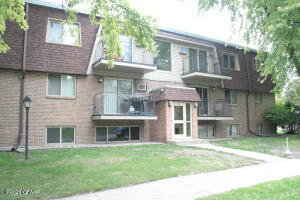 1814 22ND AVE S #106, Grand Forks, ND 58201