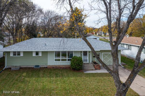 1615 4TH AVE NW Avenue NW, E Grand Forks, MN 56721