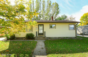 815 24TH Avenue S, Grand Forks, ND 58201