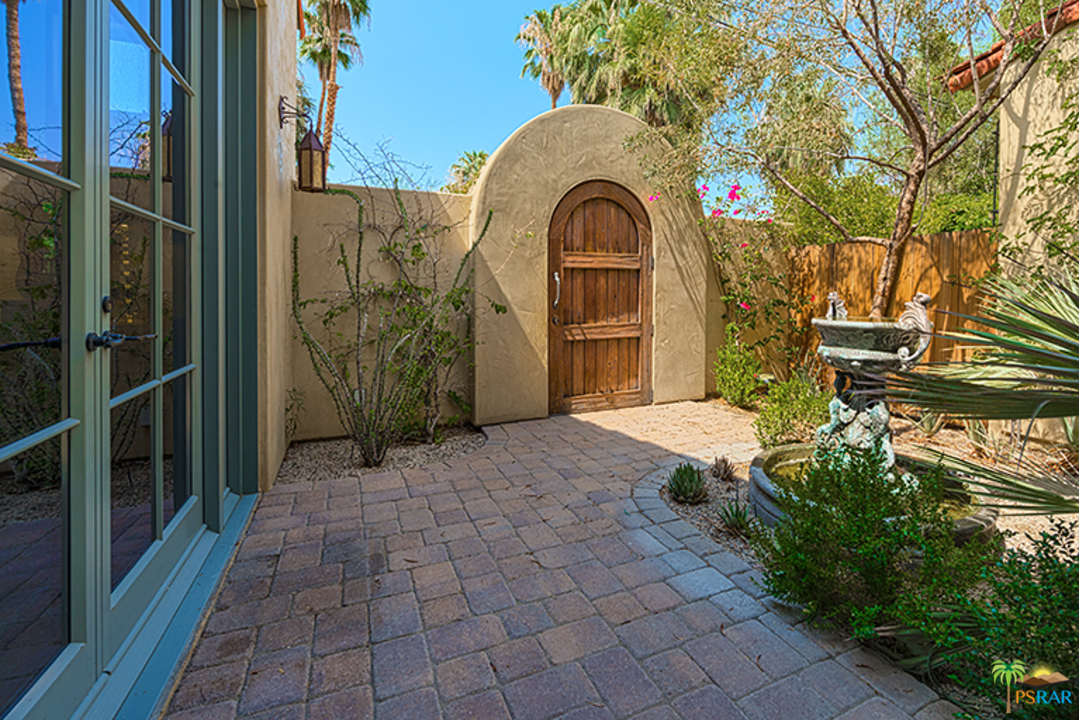 233 W CRESTVIEW Drive, Palm Springs, California 92264, 5 Bedrooms Bedrooms, ,6 BathroomsBathrooms,Residential,For Sale,233 W CRESTVIEW Drive,19446954