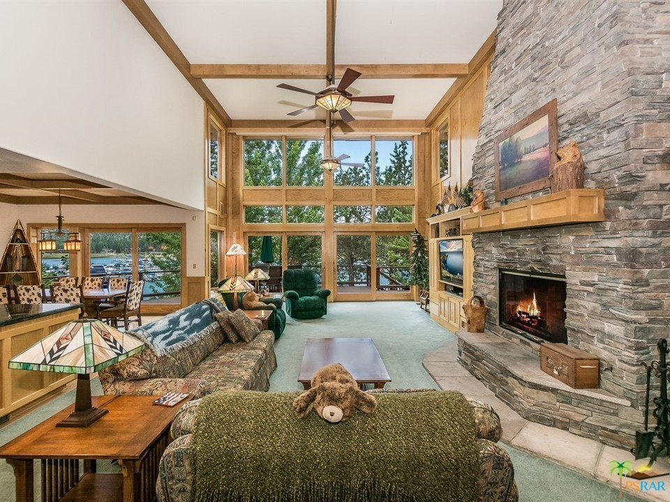 39583 LAKE Drive, Big Bear Lake, California 92315, 4 Bedrooms Bedrooms, ,6 BathroomsBathrooms,Residential,For Sale,39583 LAKE Drive,19445700