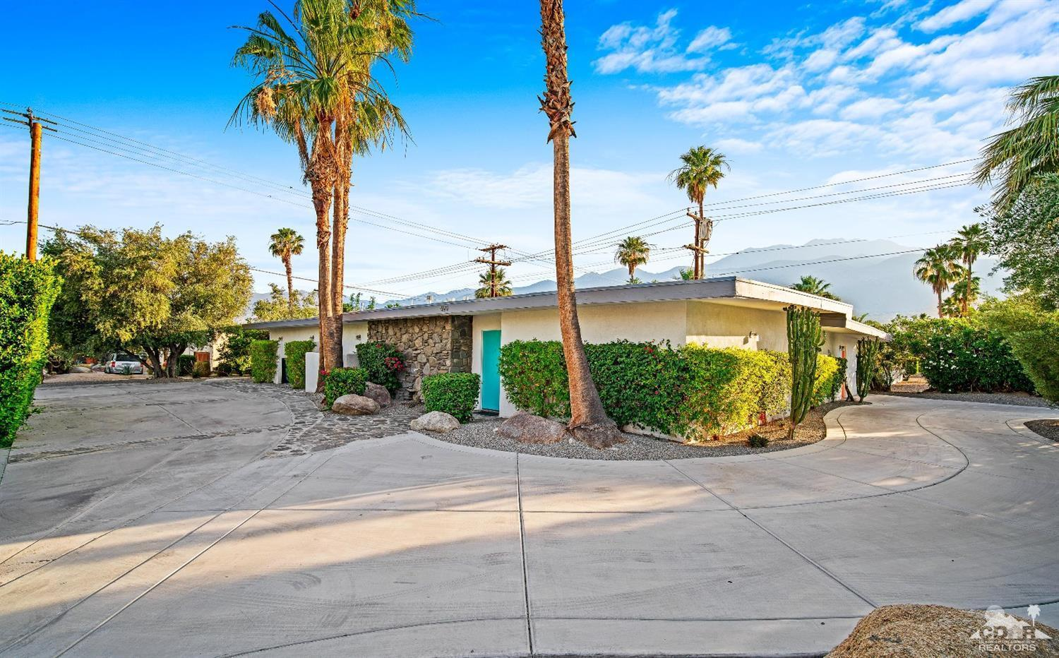 499 N Farrell Drive, Palm Springs, California 92262, 3 Bedrooms Bedrooms, ,4 BathroomsBathrooms,Residential,Sold,499 N Farrell Drive,219015753