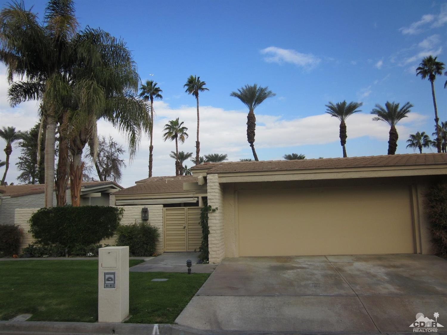 Desert horizons country club palm springs real estate for Palm springs condos for sale zillow