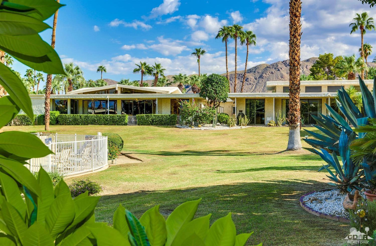 Canyon vista estates condo community in palm springs for Palm springs homes rentals