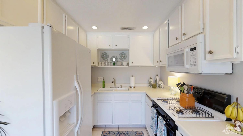 365 N Saturmino Drive, Palm Springs, California 92262, 2 Bedrooms Bedrooms, ,2 BathroomsBathrooms,Residential,Sold,365 N Saturmino Drive,218025322