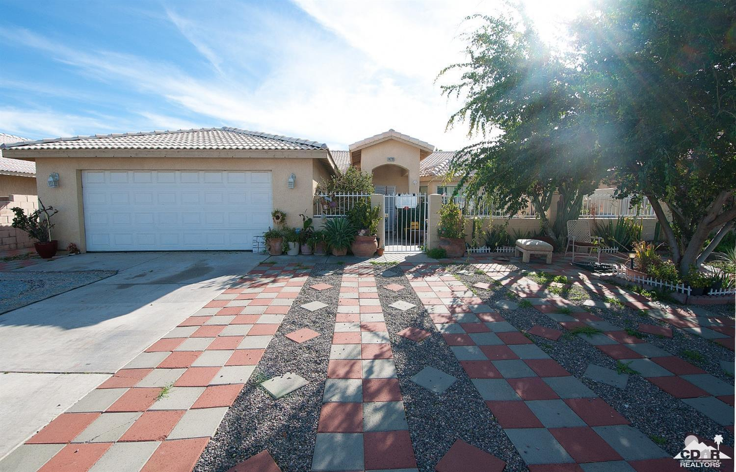 Spacious home with beautiful views of our scenic Mountains. On a 7481 sf lot. 3 Bedrooms, 2 Baths make up this great home. Conveniently located walking distance from Landau School, and minutes away from Shopping, Parks, and I-10 Freeway!