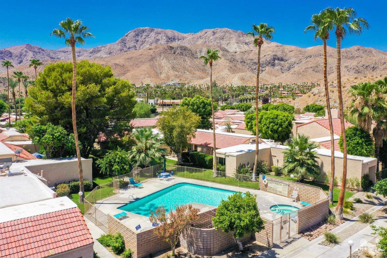 Condo Community In Rancho Mirage