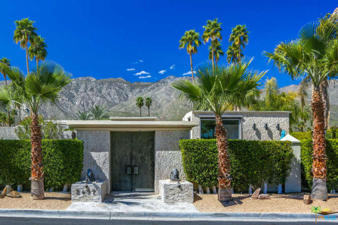Photo of 2497 S Caliente Drive, Palm Springs, CA 92264