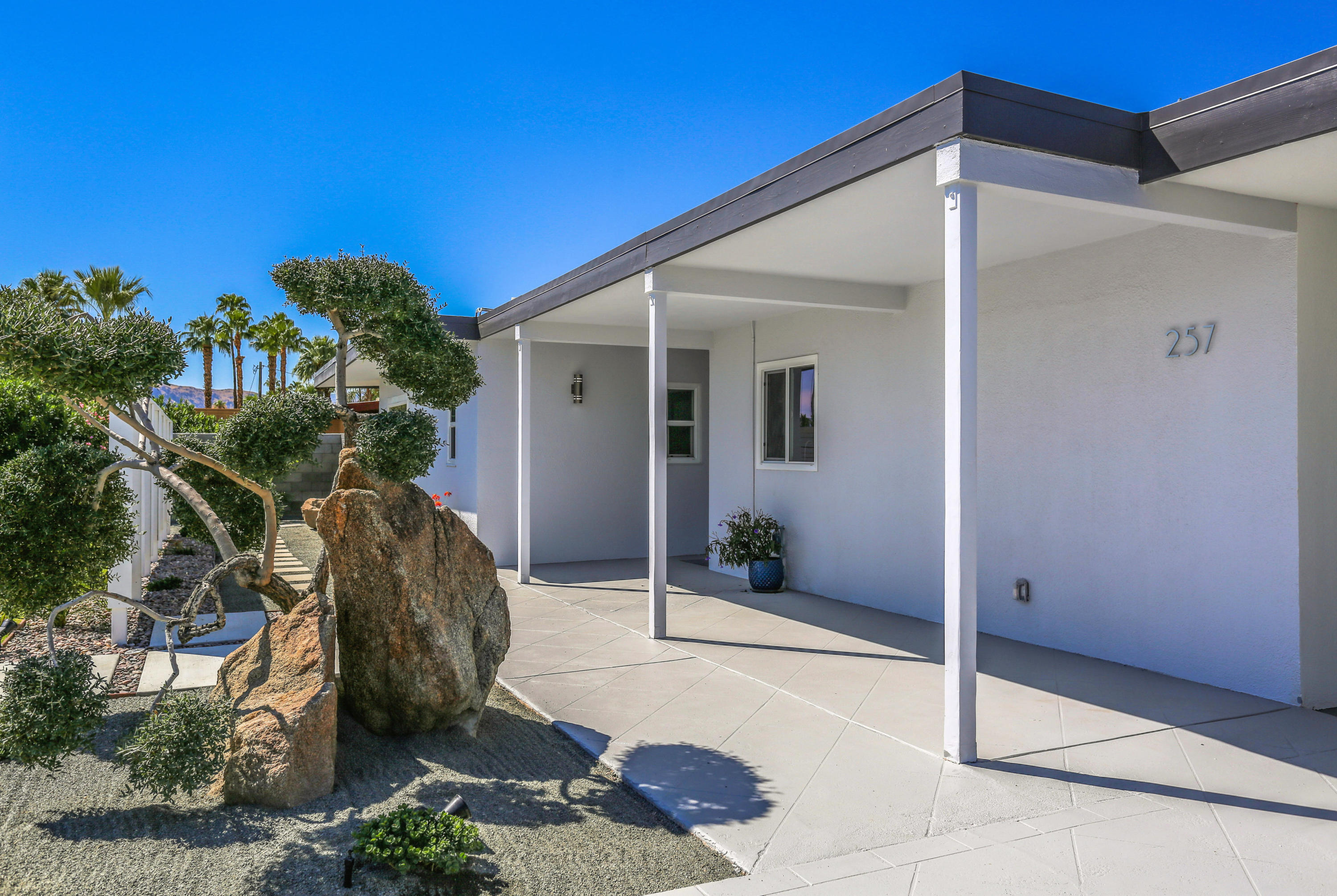257 NW Cerritos Drive, Palm Springs, California 92262, 3 Bedrooms Bedrooms, ,2 BathroomsBathrooms,Residential,For Sale,257 NW Cerritos Drive,219030006