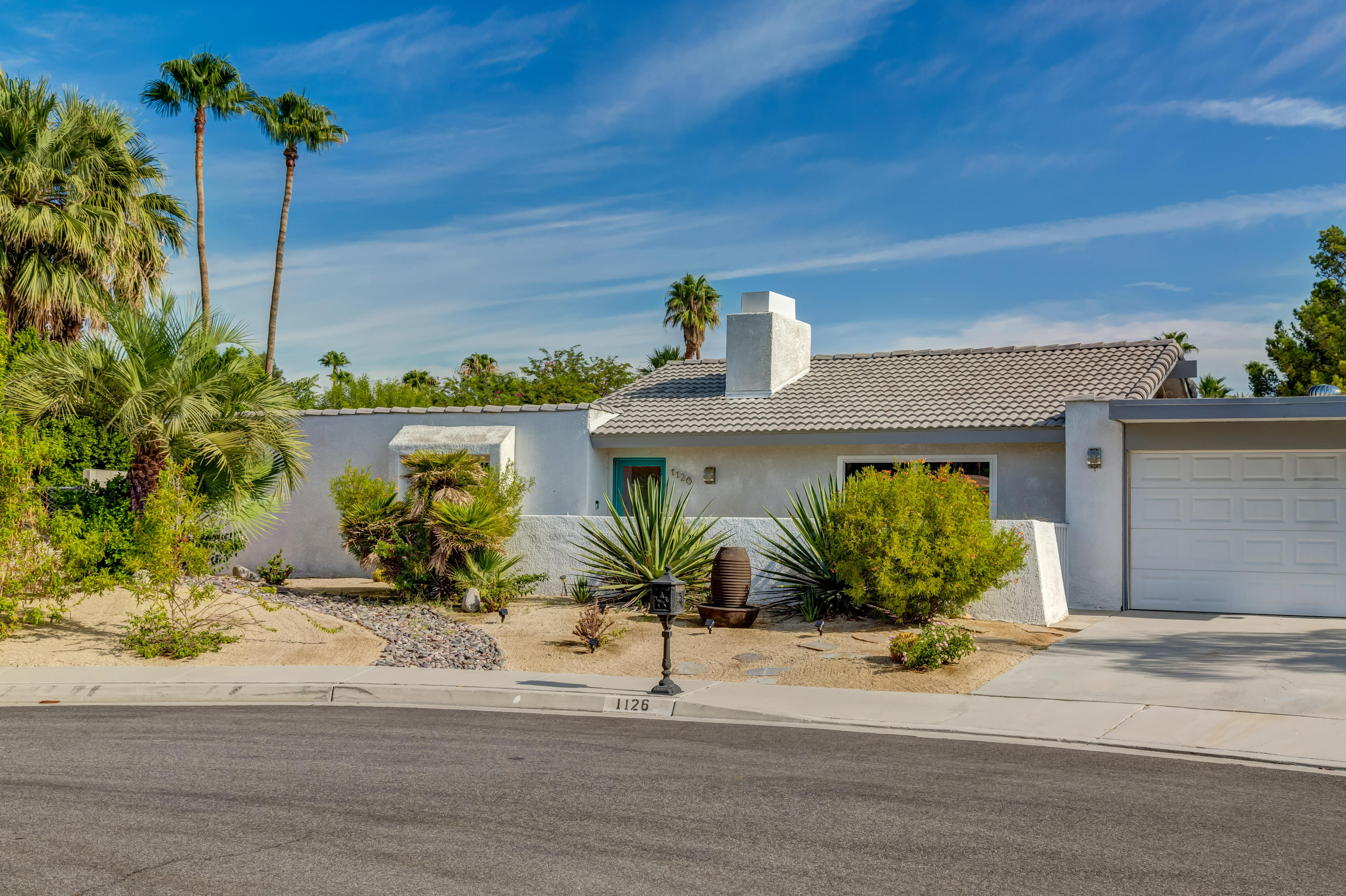 1126 E El Cid, Palm Springs, California 92262, 3 Bedrooms Bedrooms, ,2 BathroomsBathrooms,Residential,Sold,1126 E El Cid,19506100