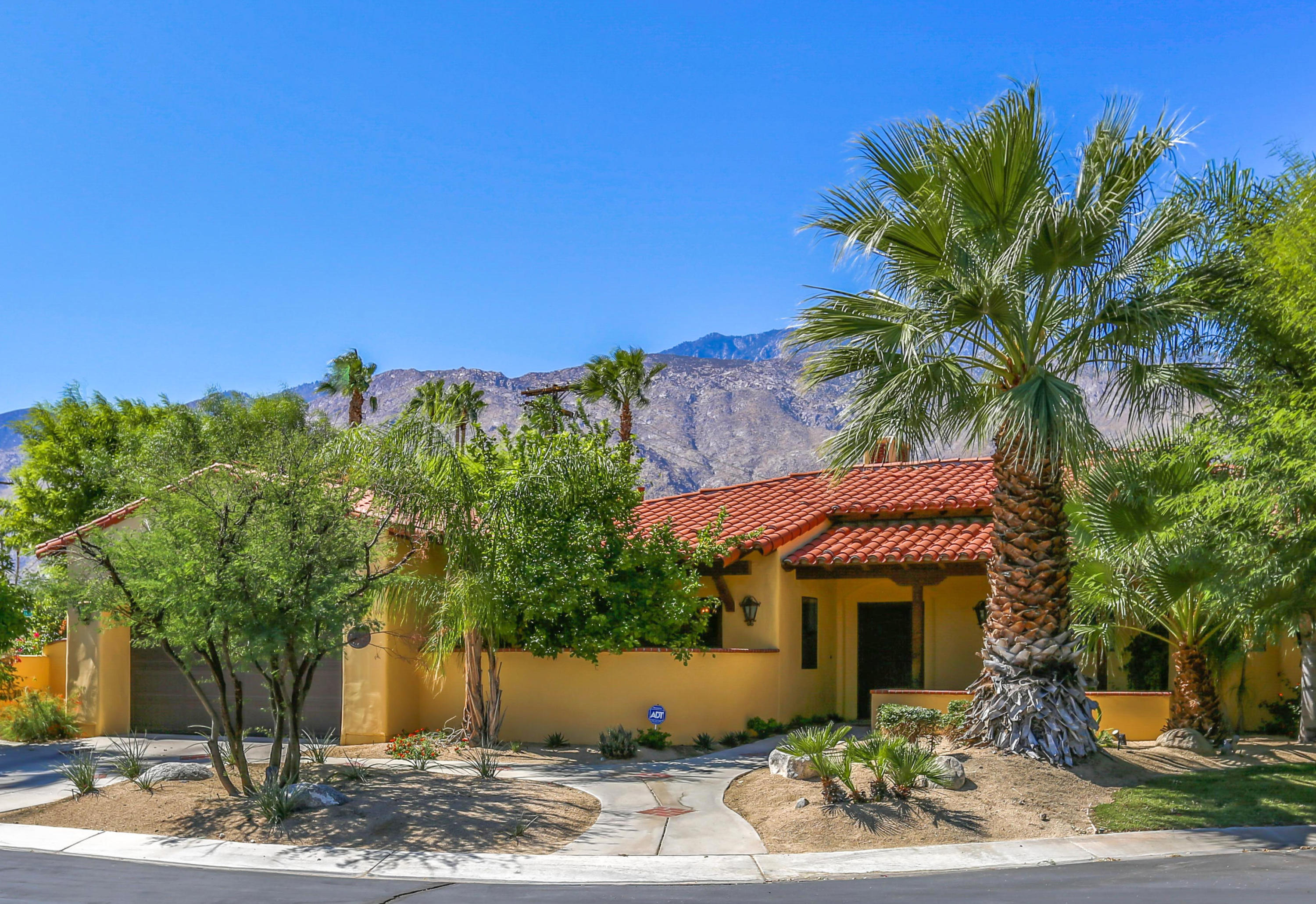 Image Number 1 for 1115 Village Court in Palm Springs