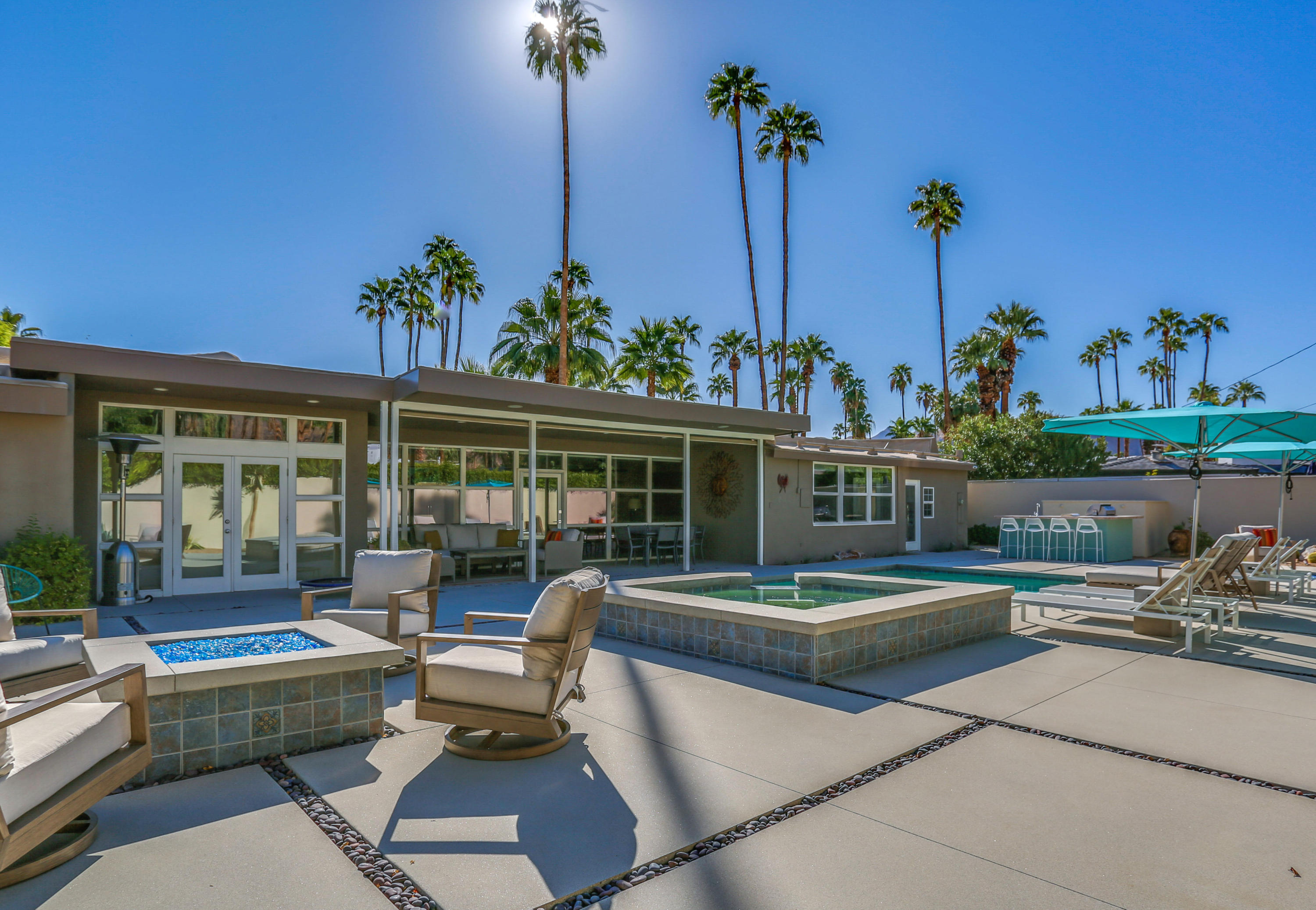 1353 S Calle Rolph, Palm Springs, California 92264, 3 Bedrooms Bedrooms, ,3 BathroomsBathrooms,Residential,Sold,1353 S Calle Rolph,219031165