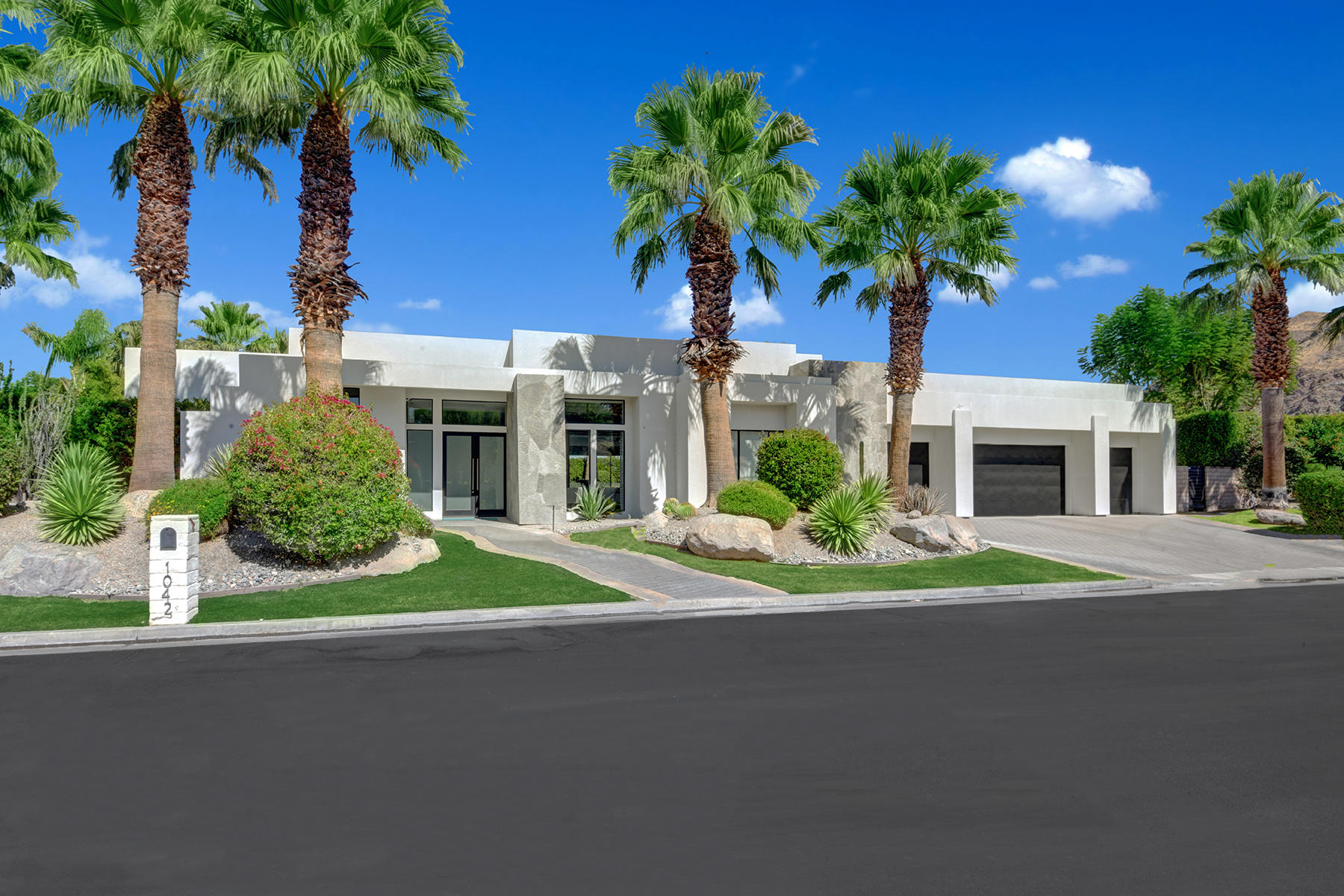 Photo of 1042 Andreas Palms Drive, Palm Springs, CA 92264
