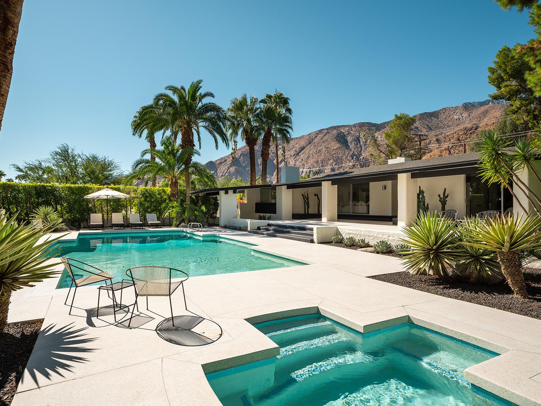 Photo of 572 W Santa Elena Road, Palm Springs, CA 92262