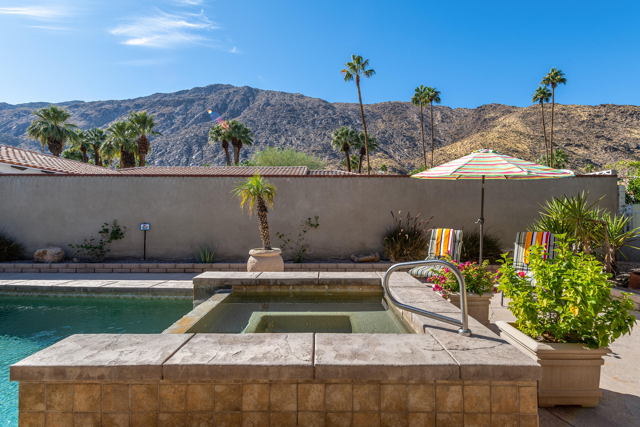 Photo of 359 S Monte Vista Drive, Palm Springs, CA 92262