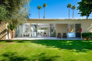 280 Desert Lakes Drive, Palm Springs, CA 92264