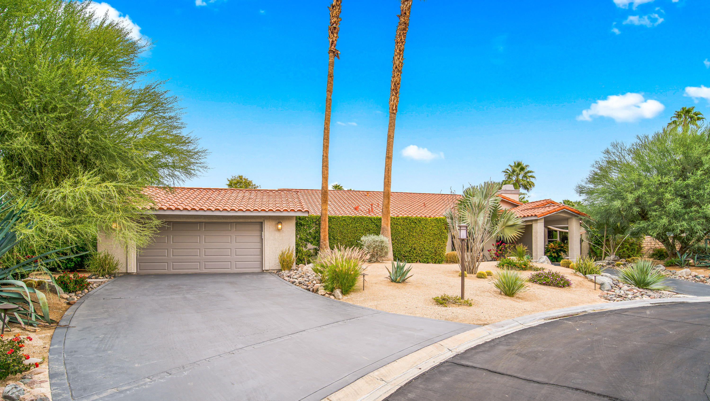8 Gleneagle Drive, Rancho Mirage, California 92270, 3 Bedrooms Bedrooms, ,4 BathroomsBathrooms,Residential,For Sale,8 Gleneagle Drive,219035383