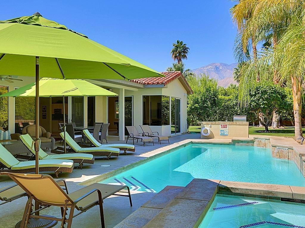 Photo of 3135 Goldenrod Lane, Palm Springs, CA 92264