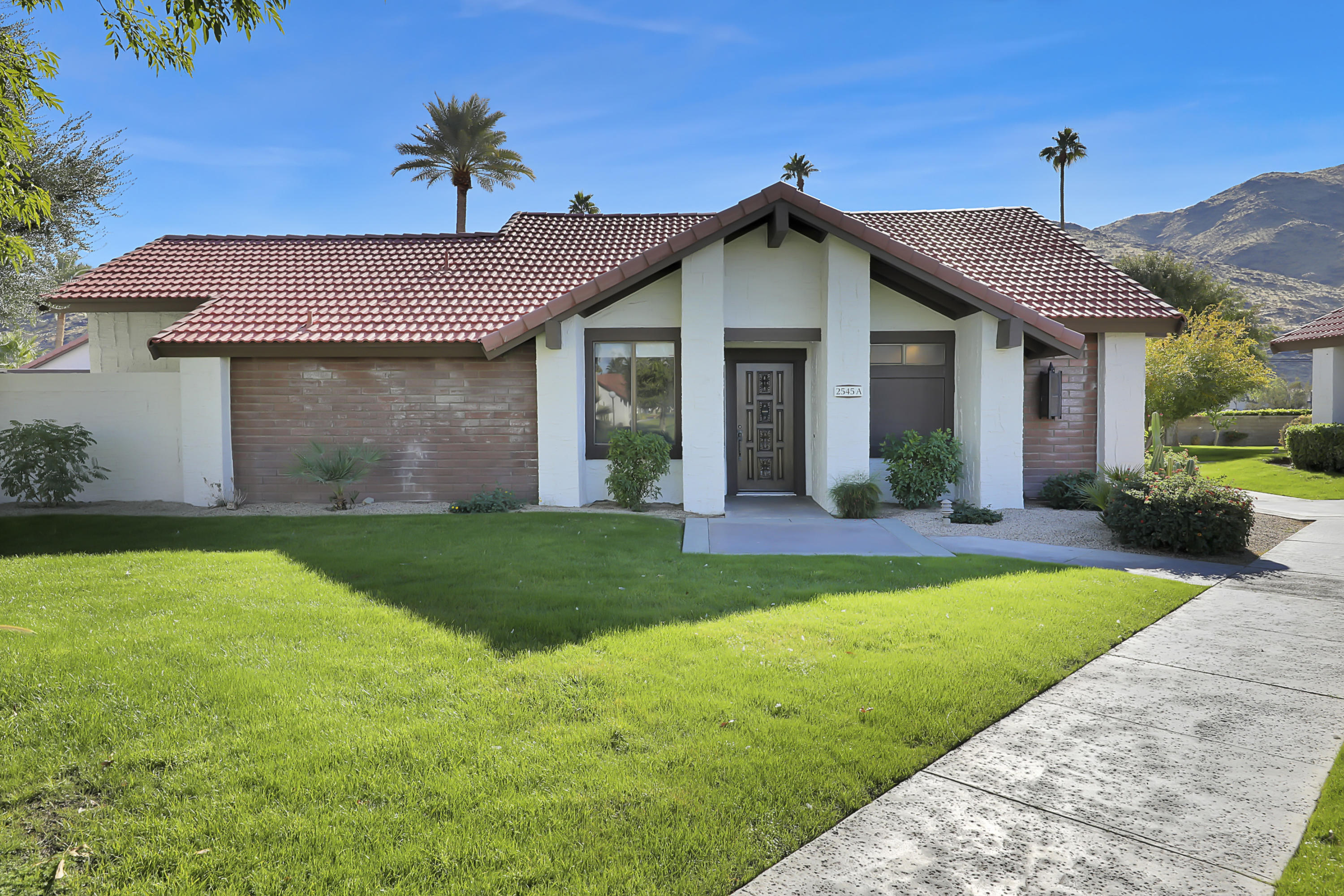 Photo of 2545 Miramonte Circle #A, Palm Springs, CA 92264