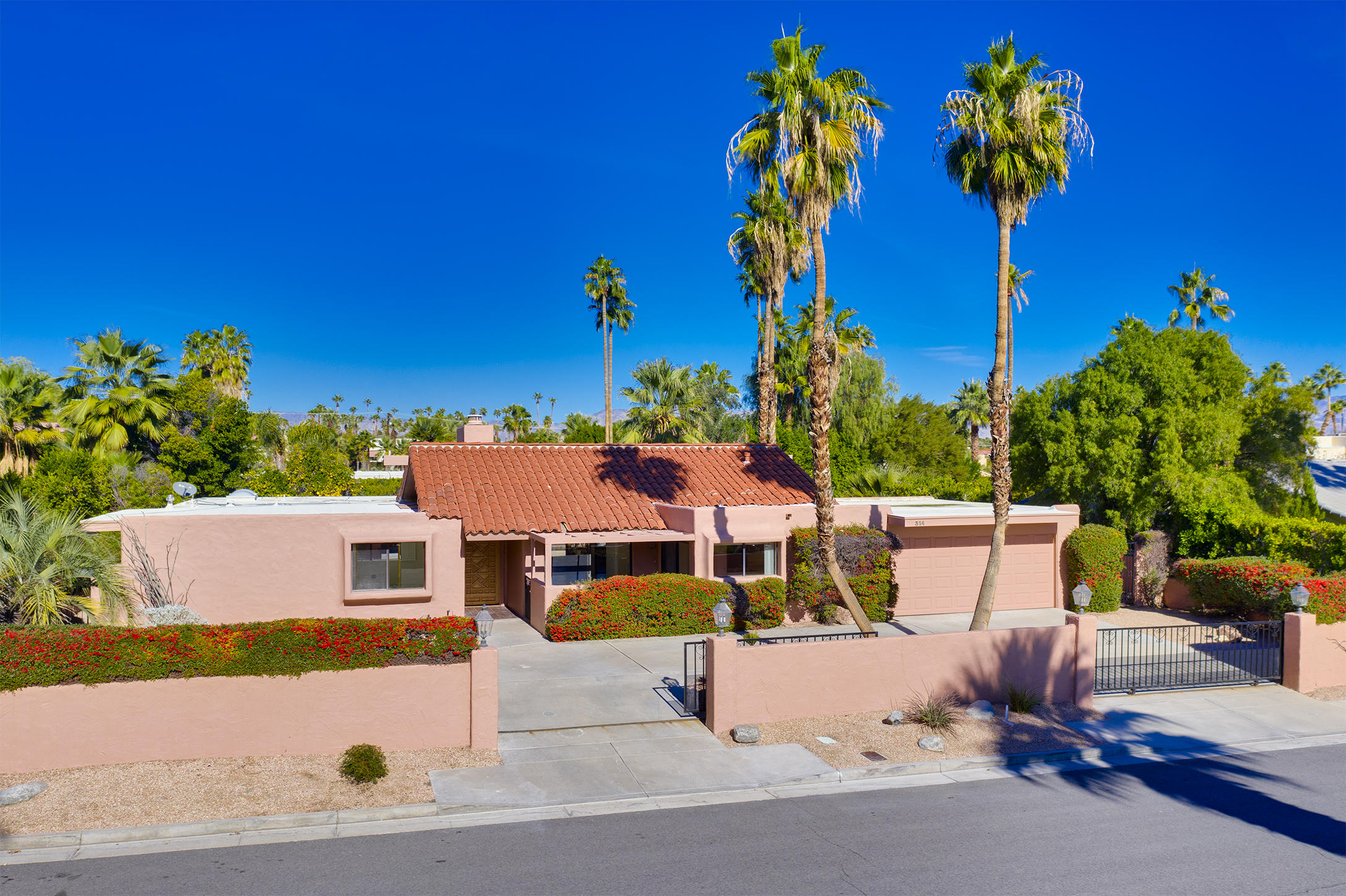 Photo of 314 W ViA Sol, Palm Springs, CA 92262