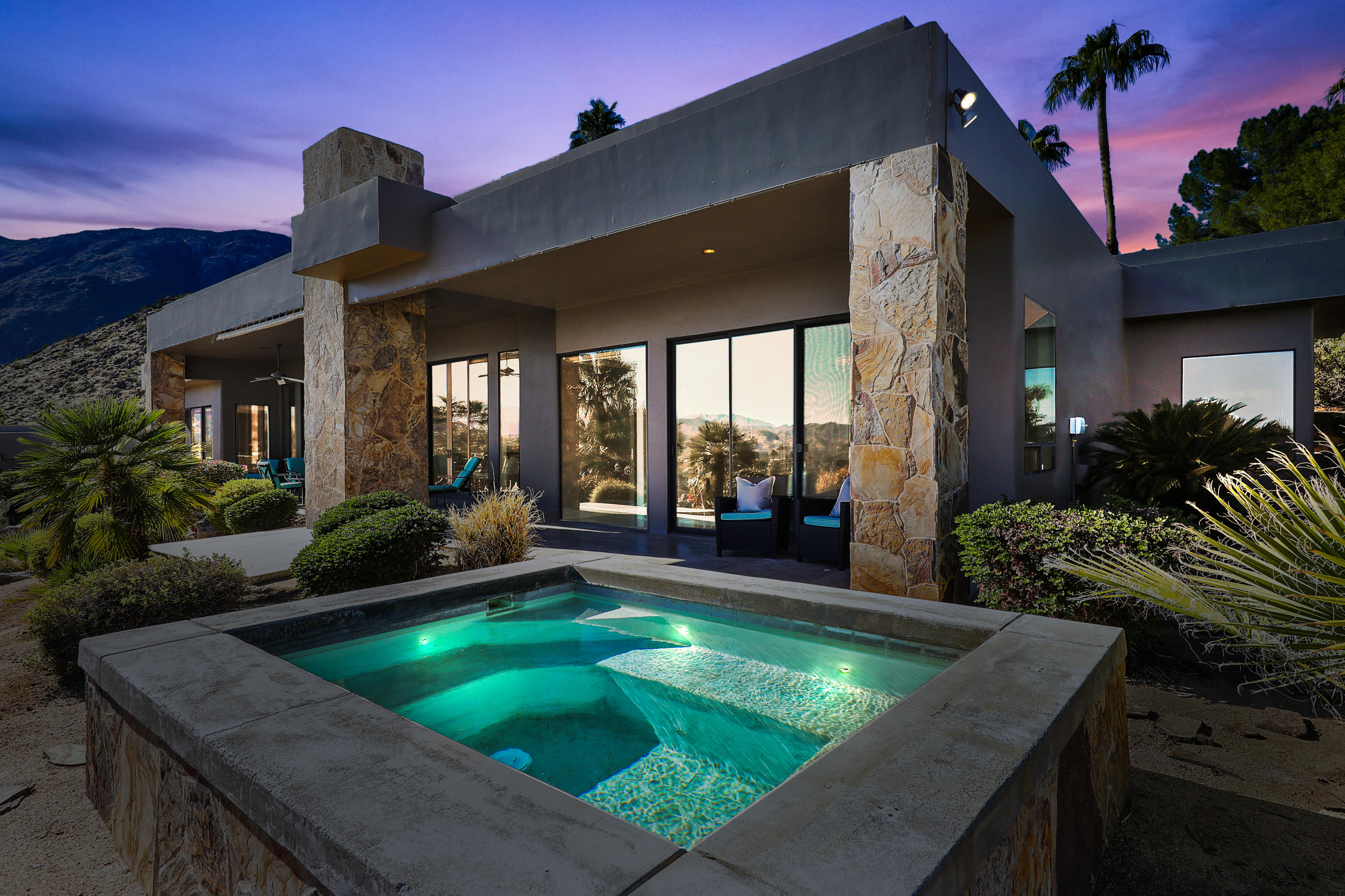Photo of 1889 N Vista Drive, Palm Springs, CA 92262