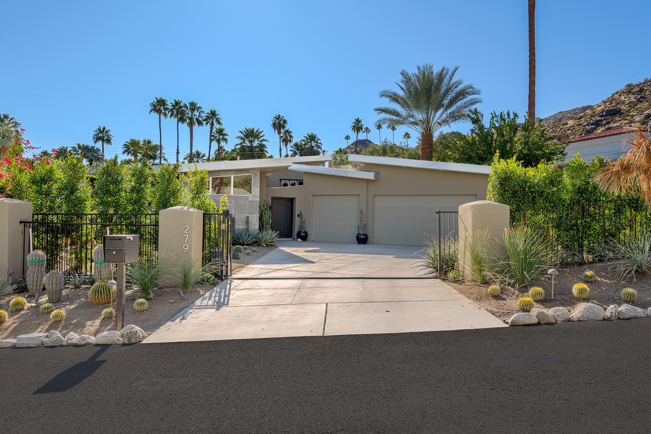 Photo of 279 W Camino Alturas, Palm Springs, CA 92264