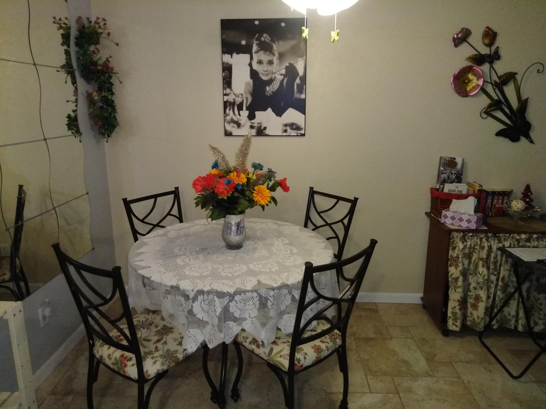 Photo of 701 N Los Felices Circle #L-112, Palm Springs, CA 92262