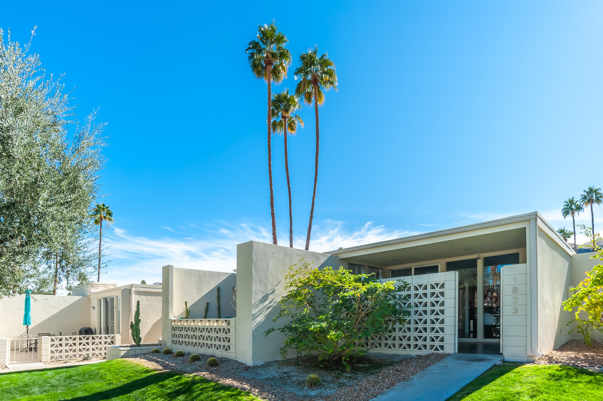 1823 Sandcliff Road, Palm Springs, California 92264, 3 Bedrooms Bedrooms, ,2 BathroomsBathrooms,Residential,For Sale,1823 Sandcliff Road,219037633