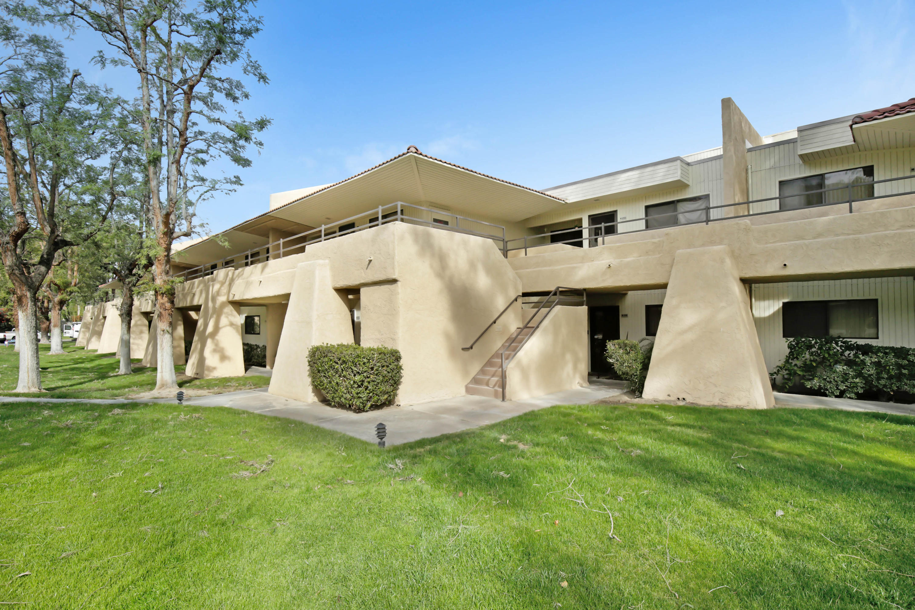 Photo of 685 N Ashurst Court #113, Palm Springs, CA 92262