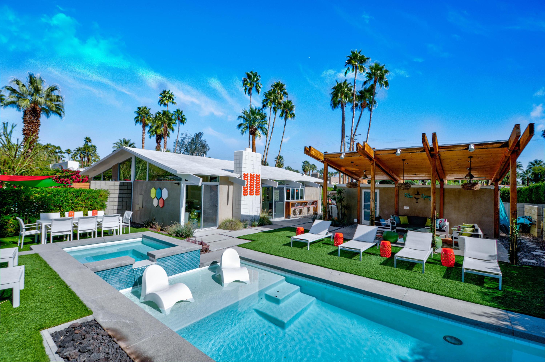 Photo of 879 N Via Monte Vista, Palm Springs, CA 92262