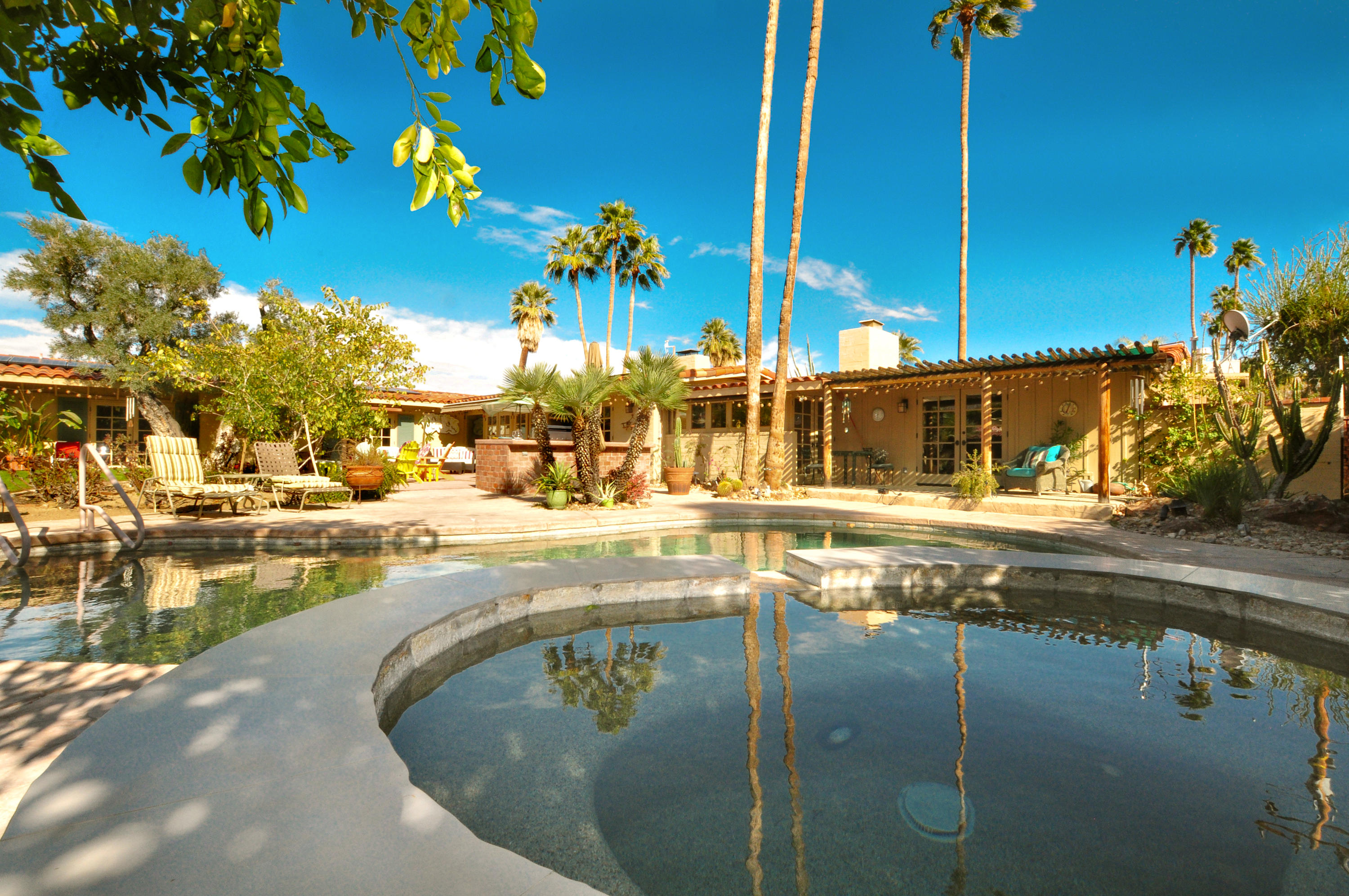 Photo of 1177 S Riverside Drive, Palm Springs, CA 92264