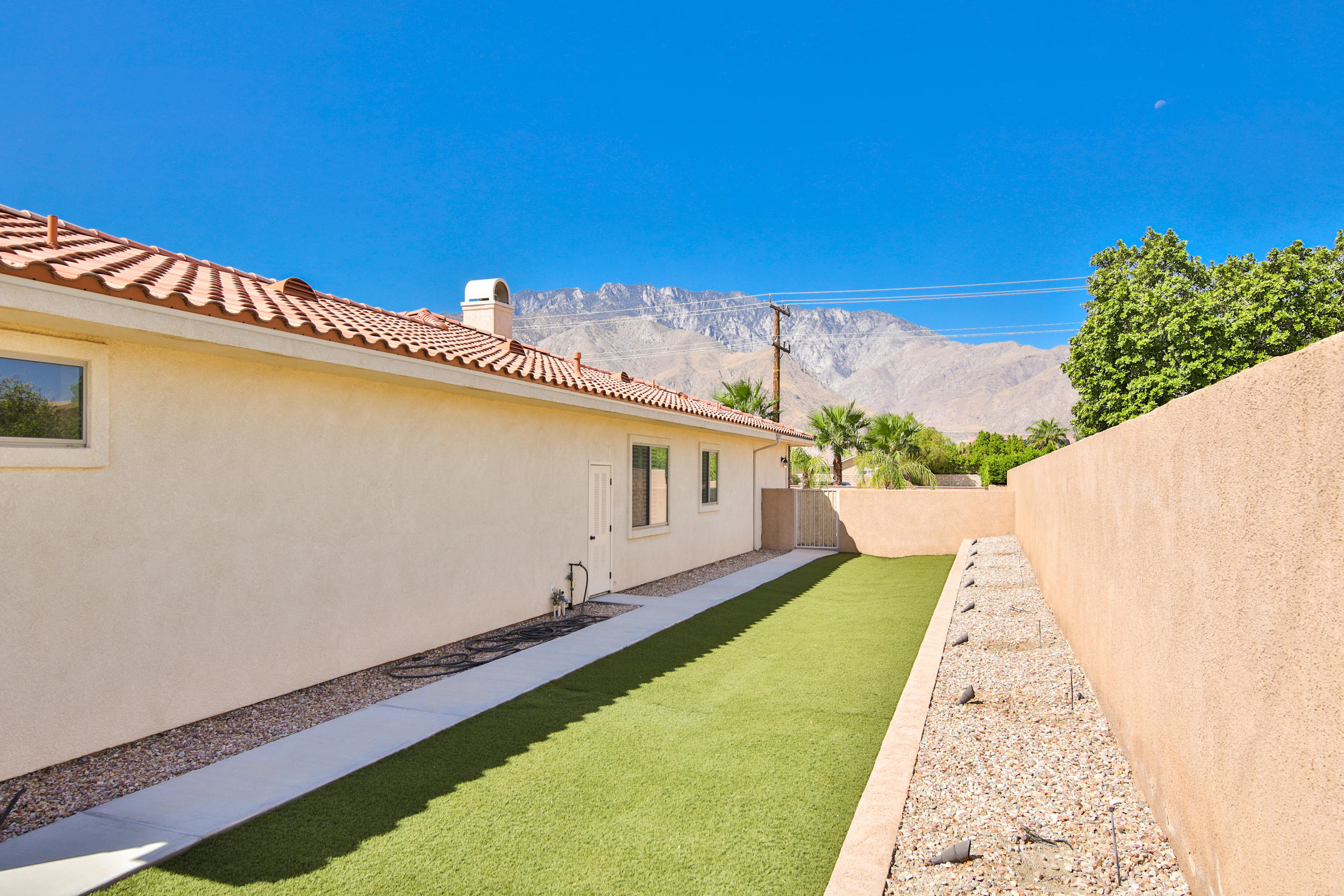 2280 N Sunrise Way, Palm Springs, California 92262, 4 Bedrooms Bedrooms, ,4 BathroomsBathrooms,Residential,For Sale,2280 N Sunrise Way,219038686