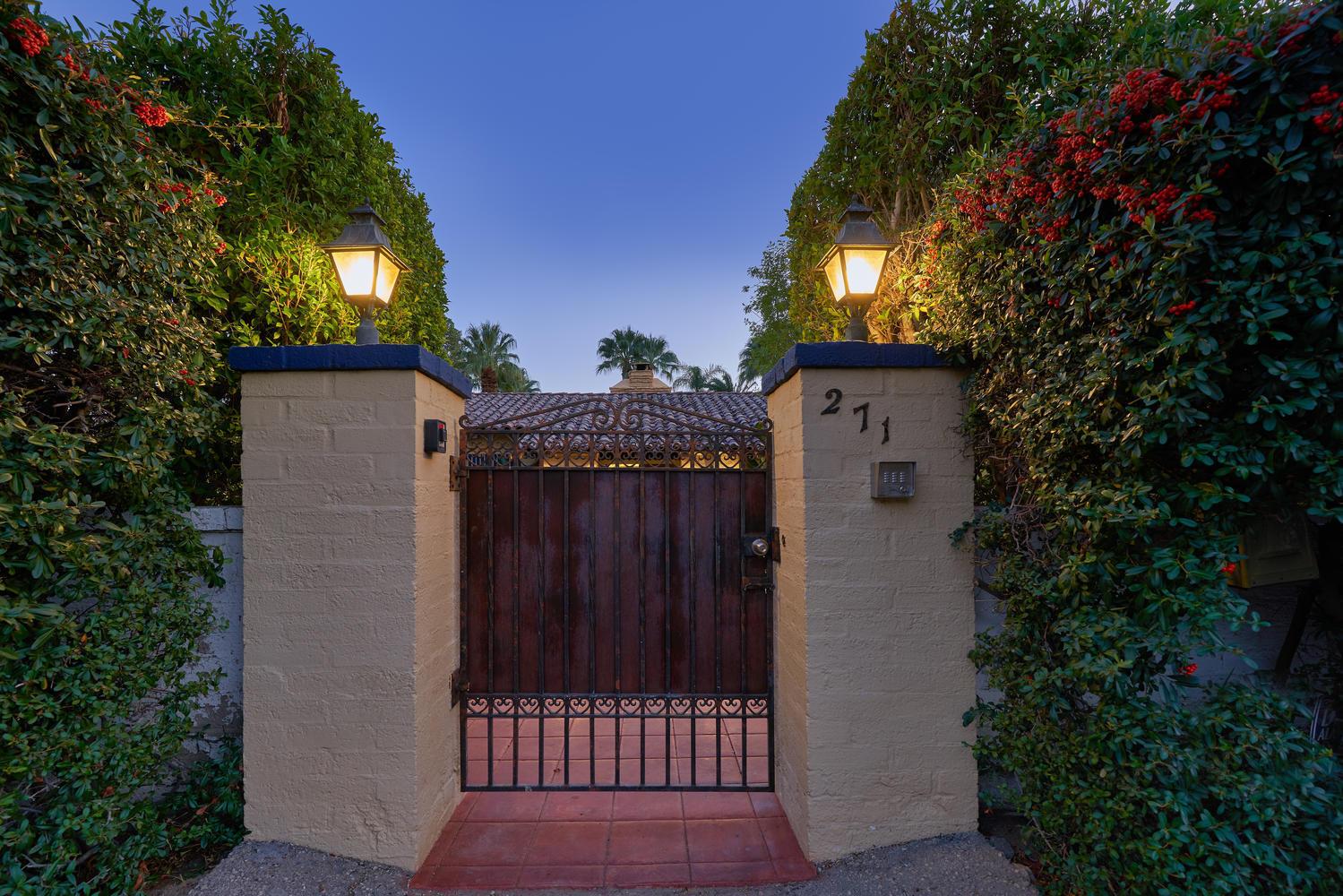 Photo of 271 W Merito Place, Palm Springs, CA 92262