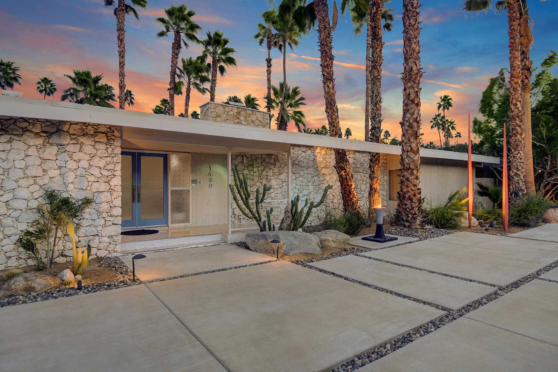 Photo of 1430 S Paseo De Marcia, Palm Springs, CA 92264