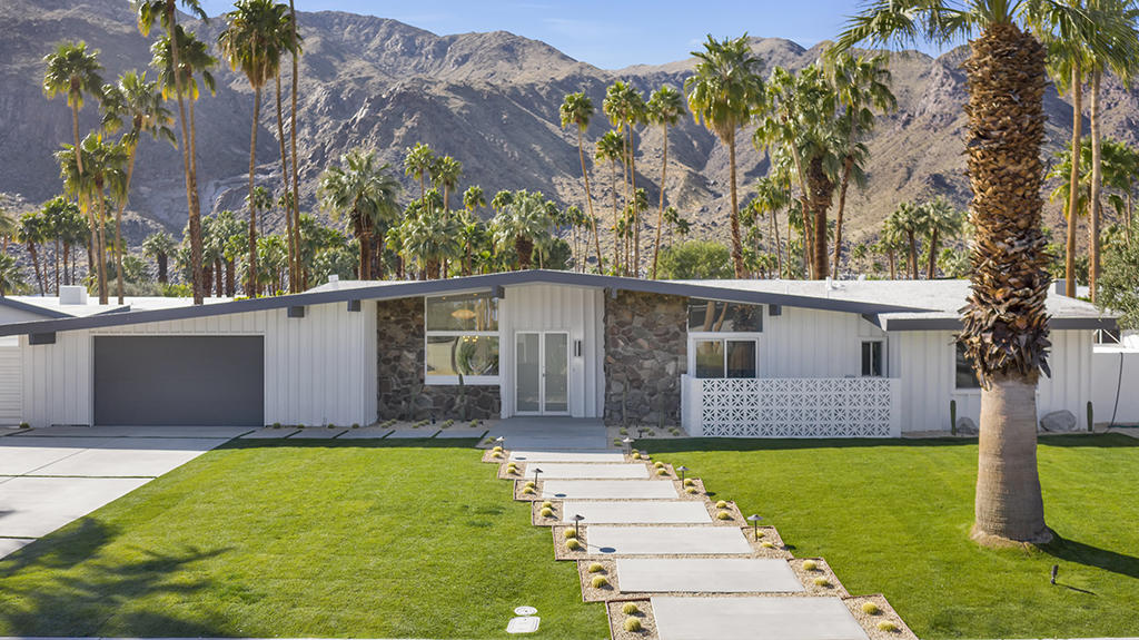 Photo of 823 N Topaz Circle, Palm Springs, CA 92262