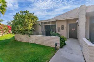 2620 N Whitewater Club Drive, B, Palm Springs, CA 92262
