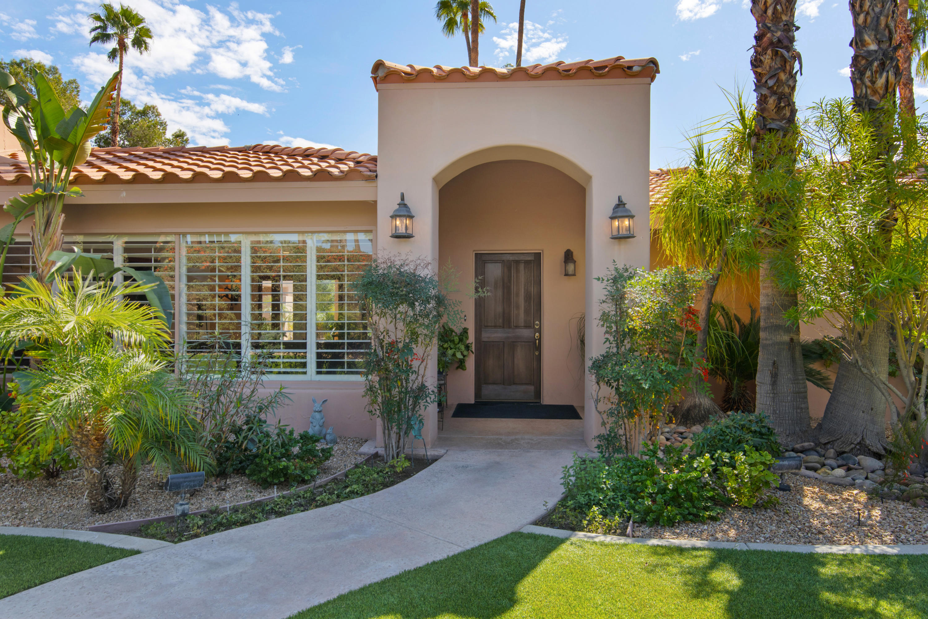 Photo of 355 W Mountain View Place, Palm Springs, CA 92262