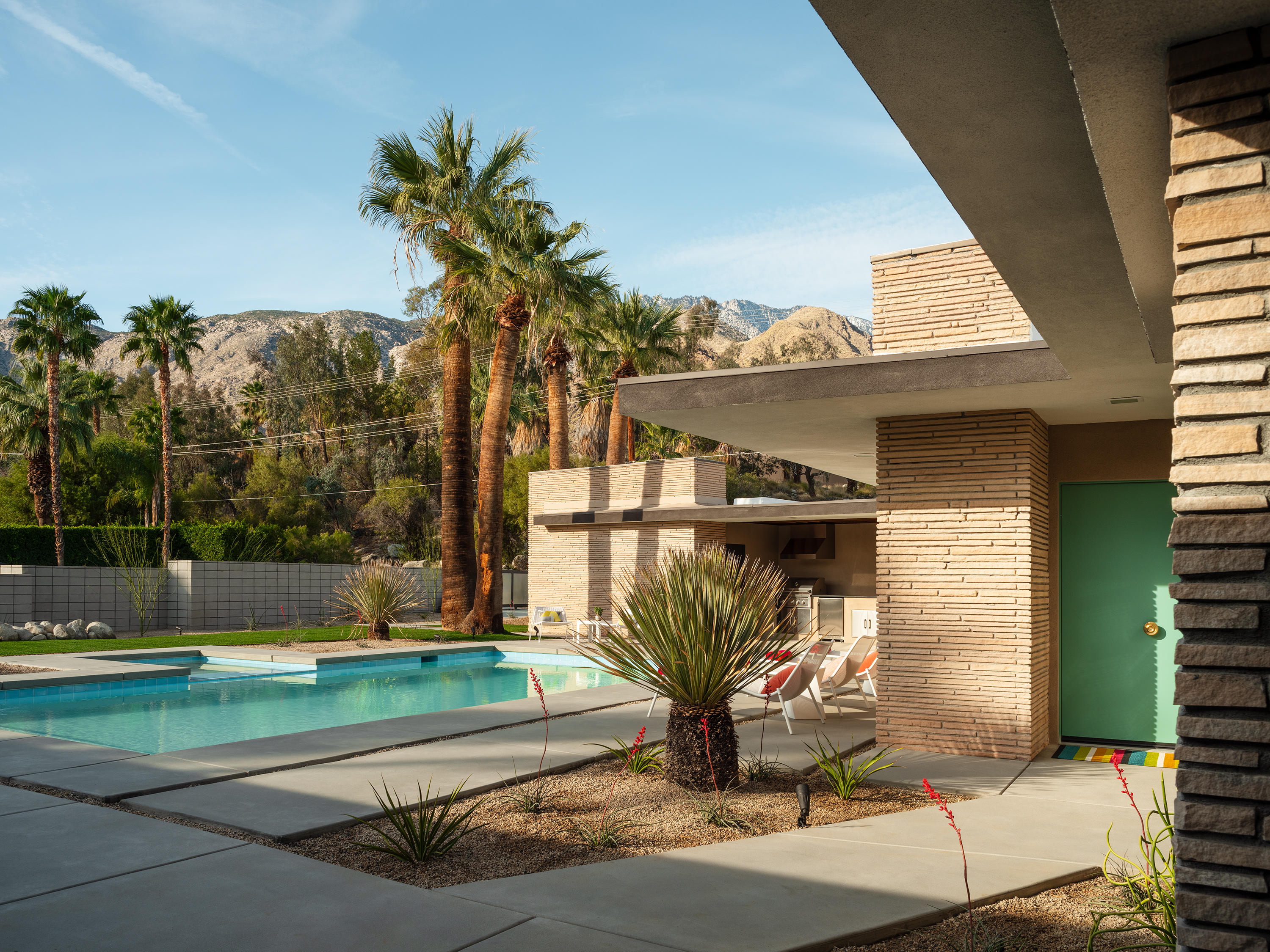 Photo of 574 W Mariscal Road, Palm Springs, CA 92262